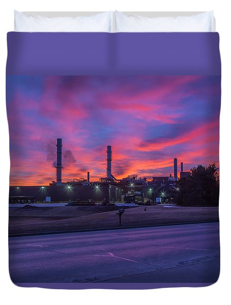 Sunrise At Waupaca Foundry Plants 2 And 3 3-24-2018 Duvet Cover
