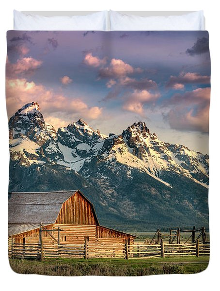 Sunrise In North Moulton Barn Duvet Cover