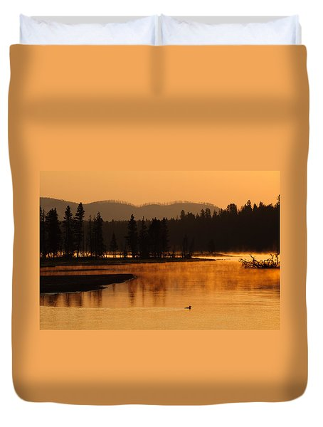 Sunrise Near Fishing Bridge In Yellowstone Duvet Cover