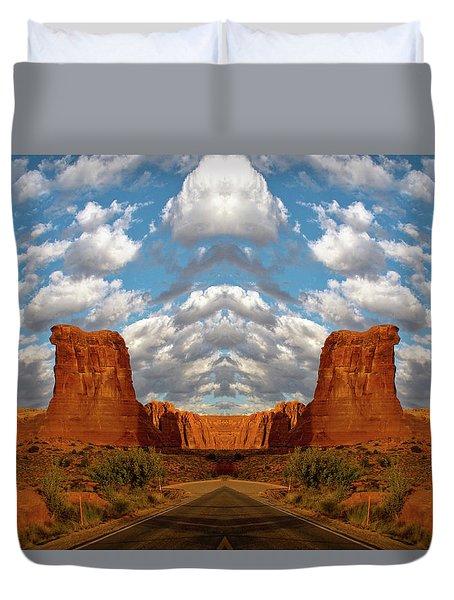 Sunrise On Arches National Park Utah 05 Mirrored Images Duvet Cover
