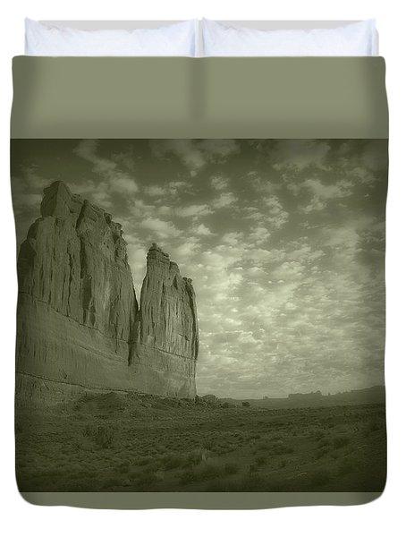 Sunrise On Arches National Park Utah 17 Aged Duvet Cover