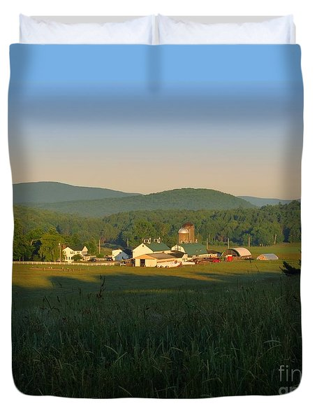 Sunrise On J J F In East Jewett Duvet Cover