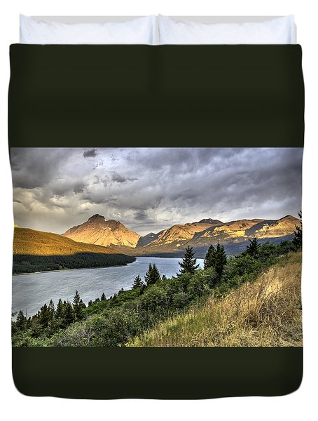 Duvet Cover featuring the photograph Sunrise On The Bitterroot River by Alan Toepfer
