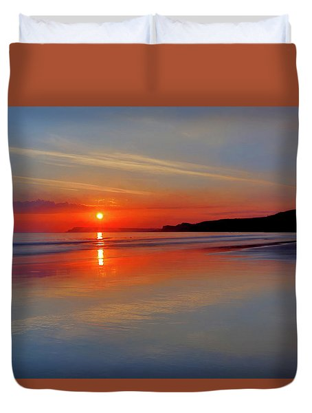 Sunrise On The Coast Duvet Cover by Roy McPeak