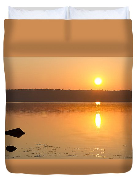 Sunrise On The Rocks Of Branch Lake - Maine Duvet Cover