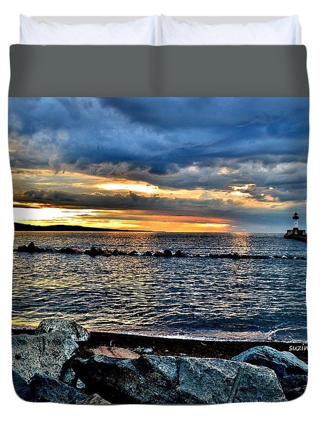 Sunrise On The Rocks Duvet Cover