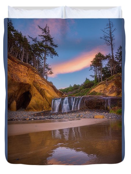 Duvet Cover featuring the photograph Sunrise Over Hug Point by Darren White