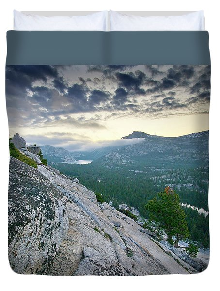 Sunrise Over Tenaya Lake - Yosemite National Park Duvet Cover