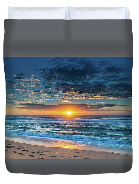 Sunrise Seascape With Footprints In The Sand Duvet Cover