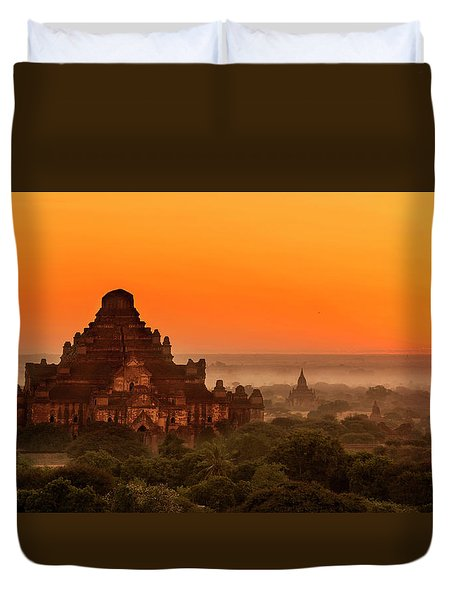Duvet Cover featuring the photograph Sunrise View Of Dhammayangyi Temple by Pradeep Raja Prints