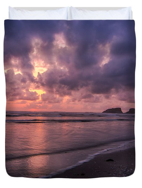 Sunset Along Beach On Oregon Coast Duvet Cover