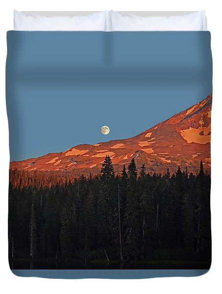 Duvet Cover featuring the photograph Sunset And Sunrise At Mt Adams by Jack Moskovita