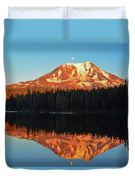 Sunset And Sunrise Mt Adams Duvet Cover