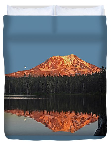 Duvet Cover featuring the photograph Sunset And Moonrise At Takhlakh Lake by Jack Moskovita