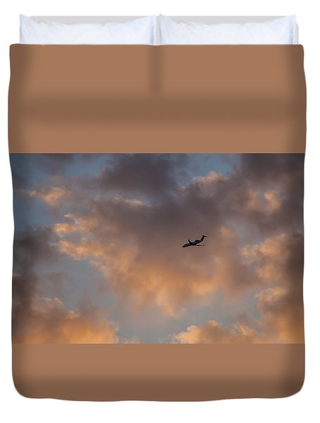 Sunset Approach  Duvet Cover by Ray Congrove