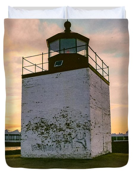 Sunset At Derby Wharf Lighthouse In Salem Massachusetts Duvet Cover