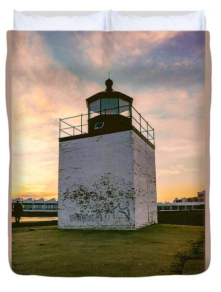 Sunset At Derby Wharf Lighthouse In Salem Massachusetts Duvet Cover