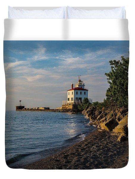 Sunset At Fairport Harbor Lighthouse Duvet Cover