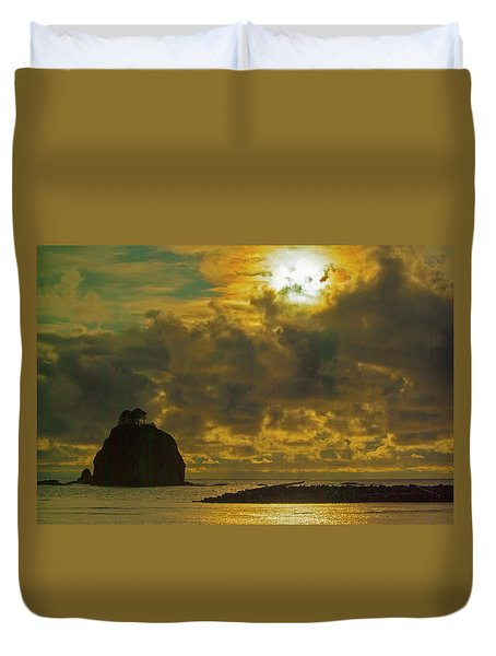Duvet Cover featuring the photograph Sunset At Jones Island by Dale Stillman
