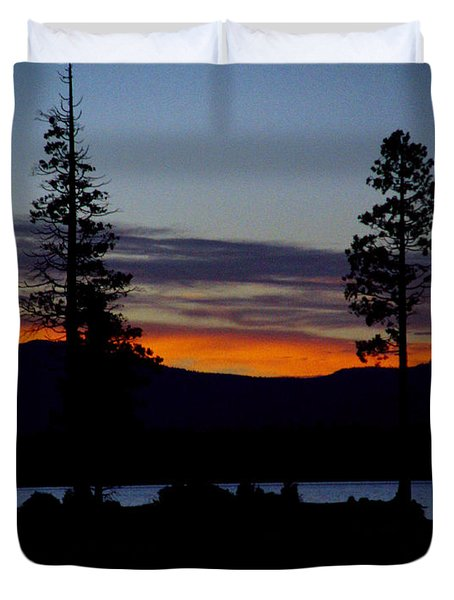 Sunset At Lake Almanor Duvet Cover by Peter Piatt