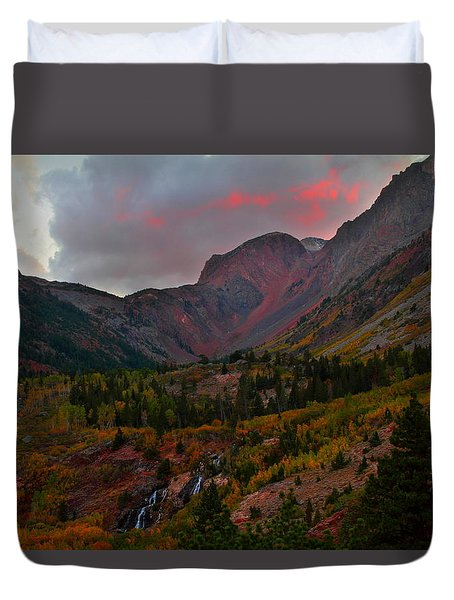 Sunset At Lundy Canyon During Autumn In The Eastern Sierras Duvet Cover by Jetson Nguyen