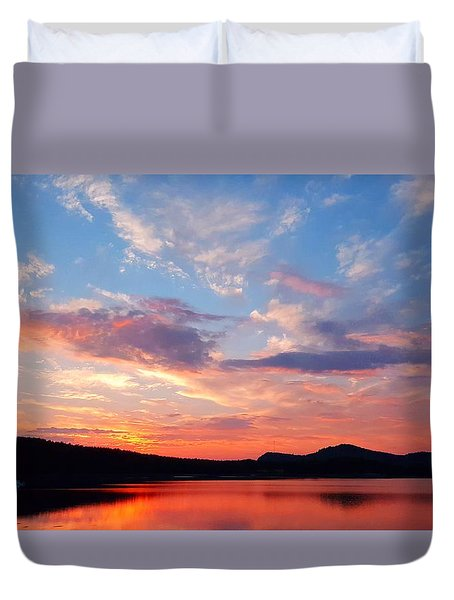 Sunset At Ministers Island Duvet Cover