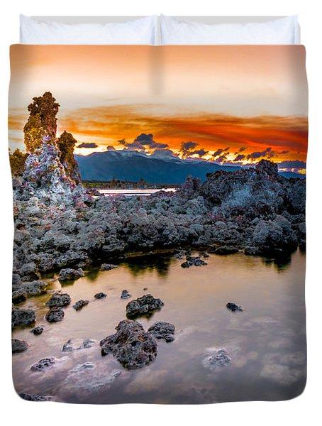 Sunset At Mono Lake Duvet Cover