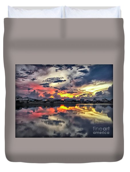 Sunset At Oyster Lake Duvet Cover