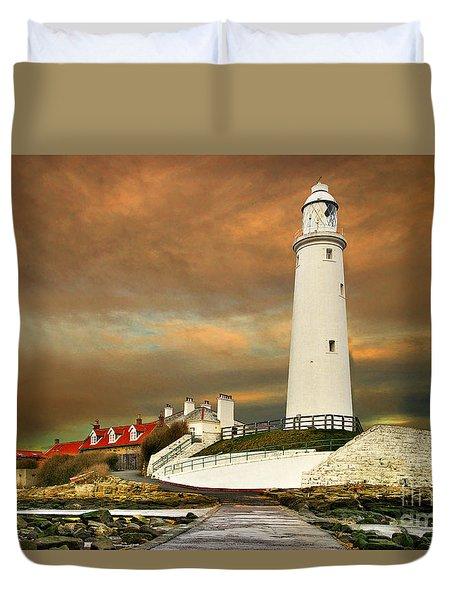 Sunset At Saint Mary's Lighthouse Duvet Cover