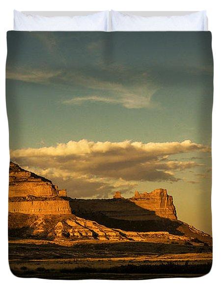 Sunset At Scotts Bluff National Monument Duvet Cover