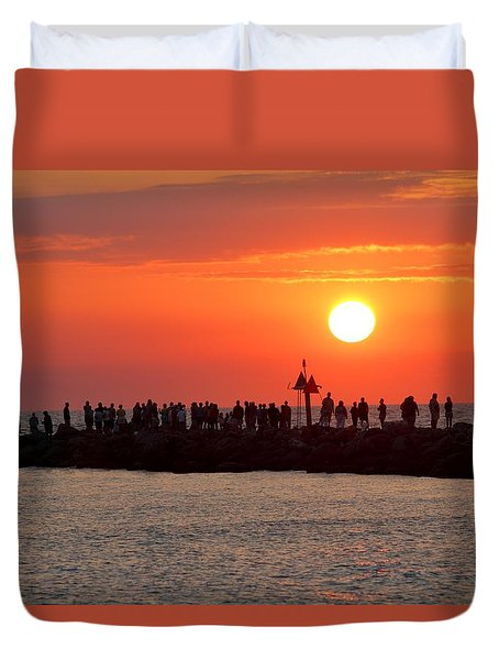 Sunset At The South Jetty, Venice, Florida, Usa Duvet Cover