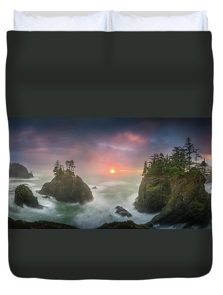 Sunset Between Sea Stacks With Trees Of Oregon Coast Duvet Cover