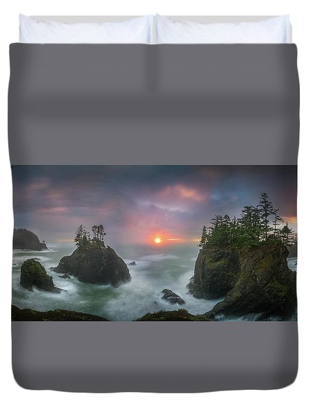 Duvet Cover featuring the photograph Sunset Between Sea Stacks With Trees Of Oregon Coast by William Lee