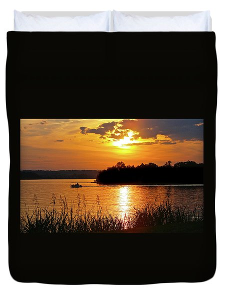 Sunset Boater, Smith Mountain Lake Duvet Cover