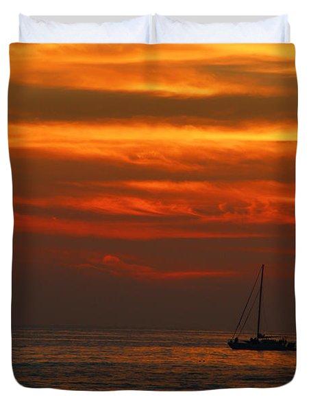Sunset Cruise Waikoloa Hawaii Duvet Cover by Kerri Ligatich