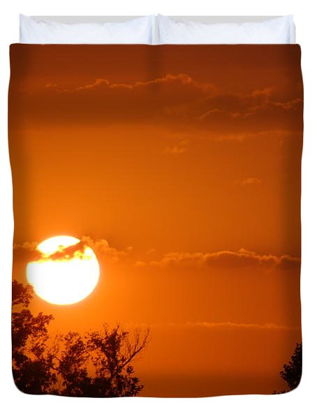 Duvet Cover featuring the photograph Sunset In Charleston by Donna Bentley
