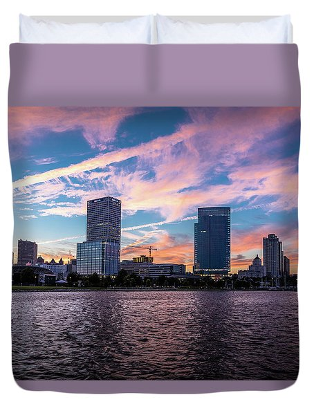 Duvet Cover featuring the photograph Sunset In The City by Randy Scherkenbach