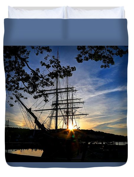 Sunset On The Whalers Duvet Cover
