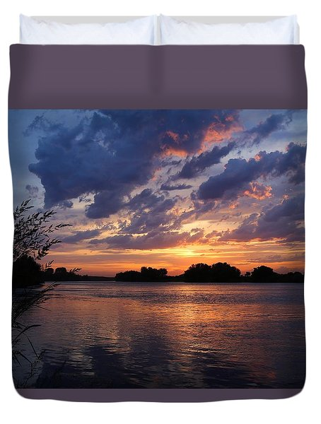 Duvet Cover featuring the photograph Sunset On The Yakima River 3 by Lynn Hopwood