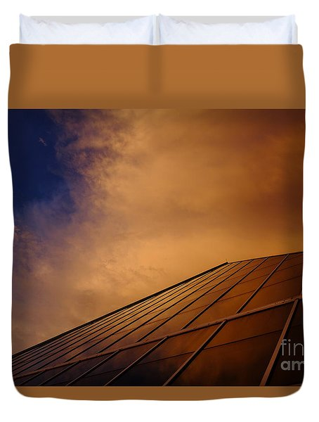 Sunset Over Bass Pro Shop In Memphis Tennessee Duvet Cover