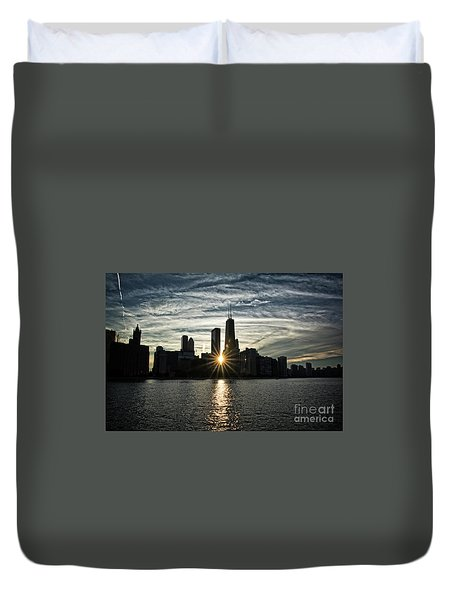 Sunset Over Chicago Skyline And Lake Michigan Duvet Cover