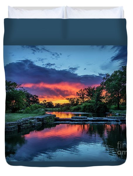 Sunset Over Deer Lake In Forest Park, St Louis, Missouri Duvet Cover