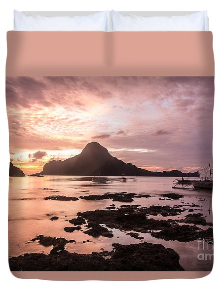 Sunset Over El Nido Bay In Palawan In The Philippines Duvet Cover