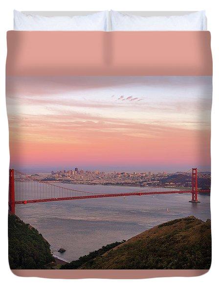 Sunset Over Golden Gate Bridge And San Francisco Skyline Duvet Cover