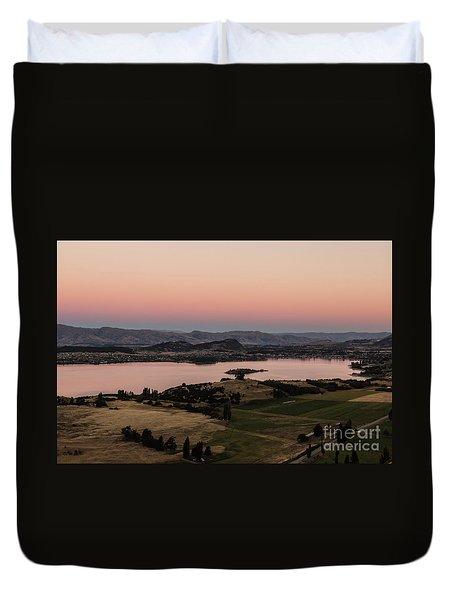 Sunset Over Lake Wanaka In New Zealand Duvet Cover