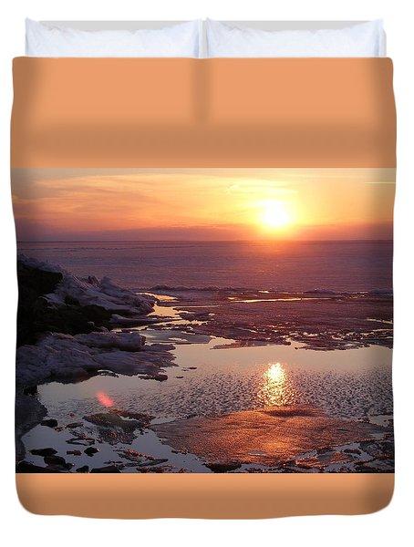 Sunset Over Oneida Lake - Horizontal Duvet Cover by Lori Kingston