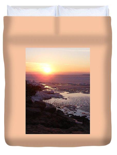 Sunset Over Oneida Lake - Vertical Duvet Cover by Lori Kingston