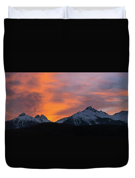 Sunset Over Tantalus Range Panorama Duvet Cover