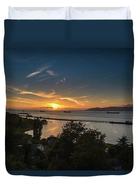 Sunset Over The Columbia River Duvet Cover by Joe Hudspeth