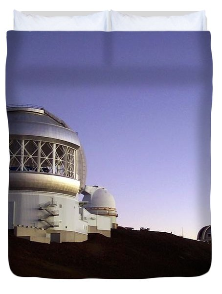 Duvet Cover featuring the photograph Sunset Over The Mauna Kea Observatories On Kona by Amy McDaniel